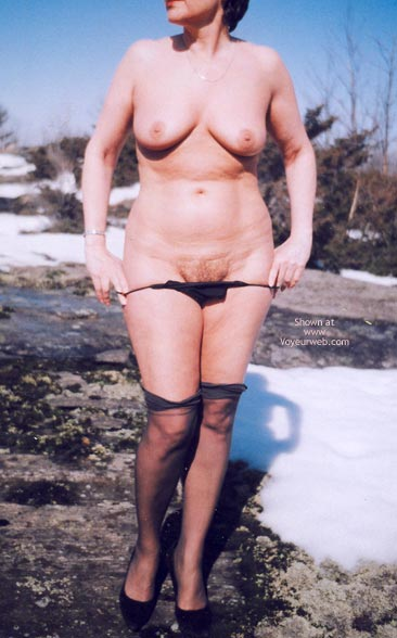 Pic #9 - Mrs.Cleaver Stripping In The Snow 1