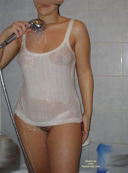 Pic #4 - Kim In The Shower 2