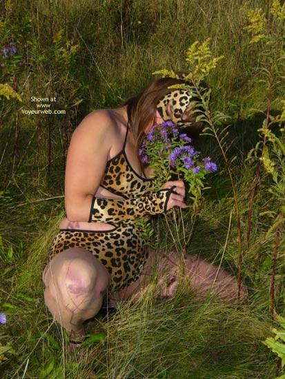 Pic #2 - *Tw  Farrah Pussycat In Great Outdoors