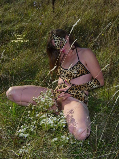 Pic #5 - *Tw  Farrah Pussycat In Great Outdoors