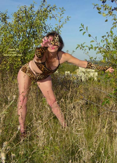 Pic #7 - *Tw  Farrah Pussycat In Great Outdoors