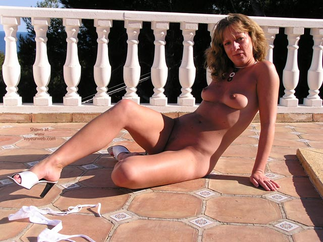 Pic #2 - Saucyminx Naked Poolside 3