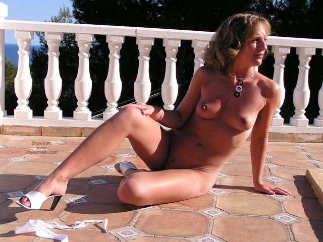 Pic #3 - Saucyminx Naked Poolside 3