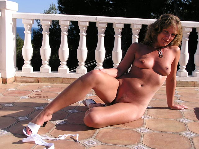 Pic #4 - Saucyminx Naked Poolside 3
