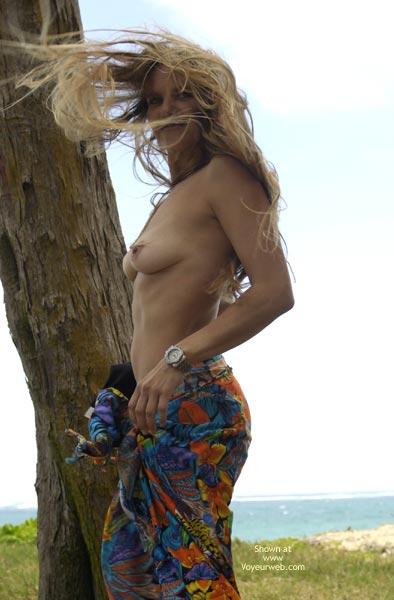 Pic #9 - Merci At The Beach ñ Hmmm Go Figure:0)