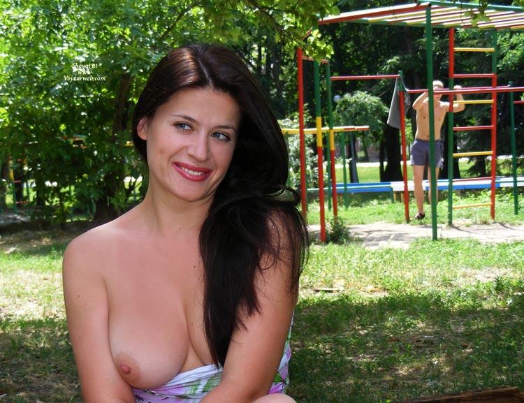 Pic #3 Viko In Park