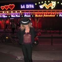 Tina Vor Dem Moulin Rouge, Teil 2