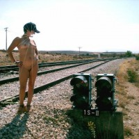 Nude Wife on heels:Aire Libre