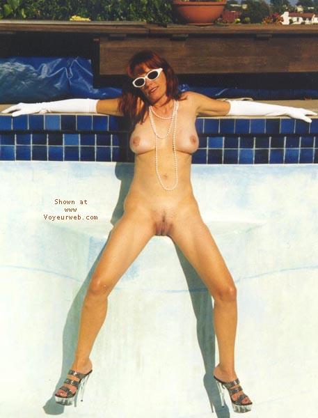 Pic #4 - Nikki's Anti-Pool Photos