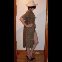 Nude Amateur on heels:*NH Coy Strip