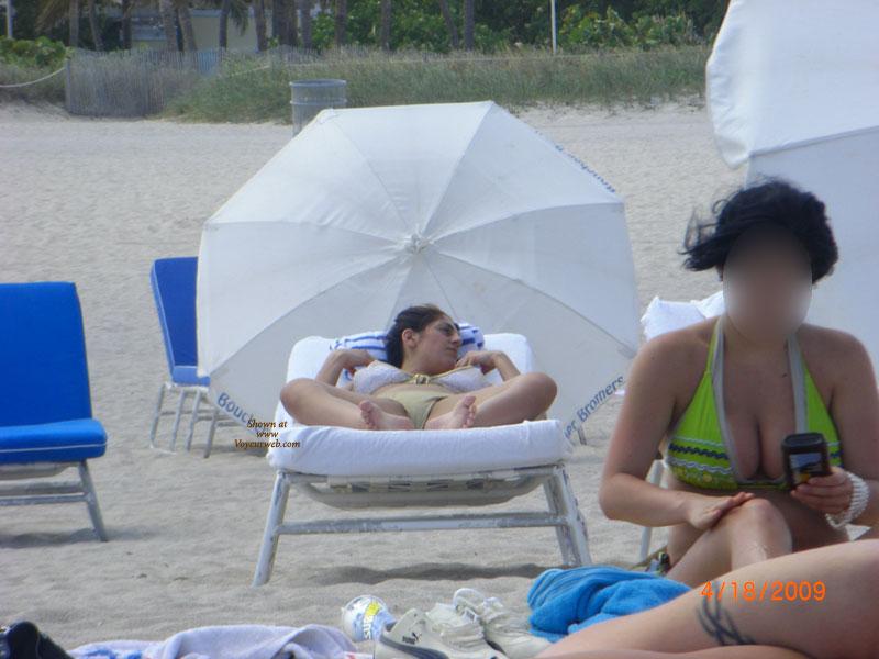 Pic #2 - Beach Voyeur:Beach Crotch Shots