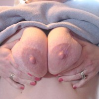 Big Areolas And Shaved Pussy