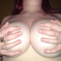 Topless Girlfriend:Geordie L