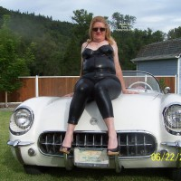 Topless Wife:*SP Hot Wife Hot Car