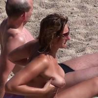 Beach Voyeur:Milf Boobs 1