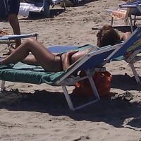 Beach Voyeur:Italian Beach