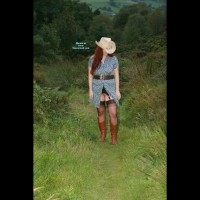 Bottomless Wife:*ST She'll Be Coming Round The Mountain...