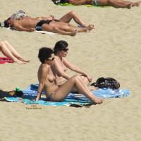 Beach Voyeur:Beach Voyeurs: A Topless Conversation