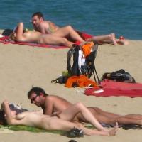 Beach Voyeur:Beach Voyeur: Large Bush Girl And Friend