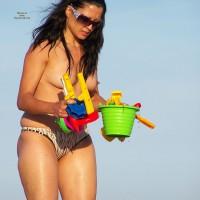 Beach Voyeur:Mature Beach