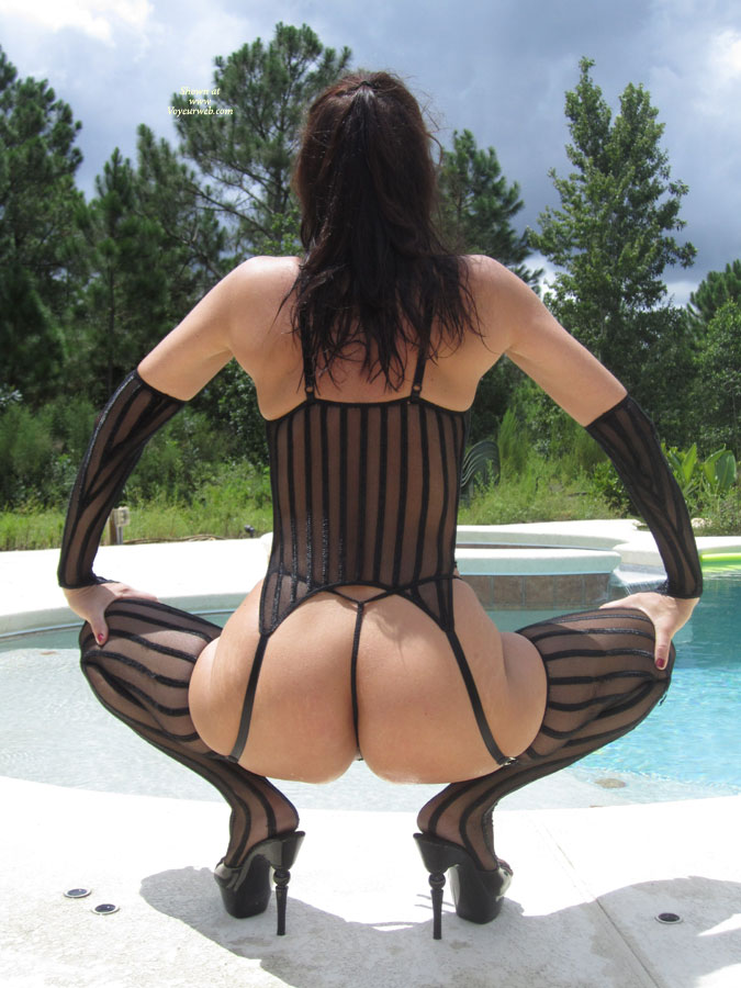 Pic #1 - Nude In Florida , Just Playing In Front Of The Camera Outdoors.