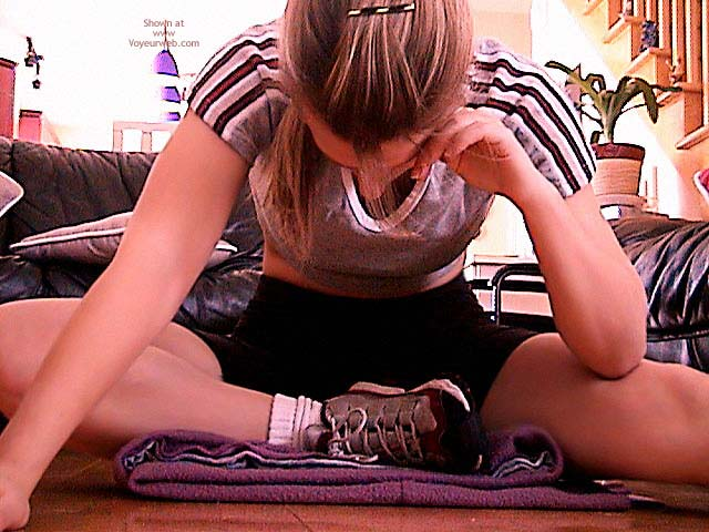 Pic #7 - Macgirl-Excercise The Mac Way