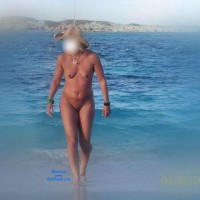 Loves Walking Naked