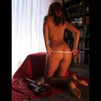 Nude From Behind - Round Ass, Naked Girl, Nude Amateur