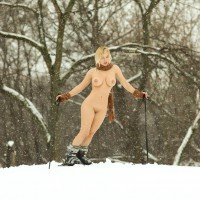 Naked Skier - Long Legs, Shaved Pussy, Nude Wife, Sexy Legs