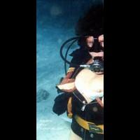 FineWife Underwater
