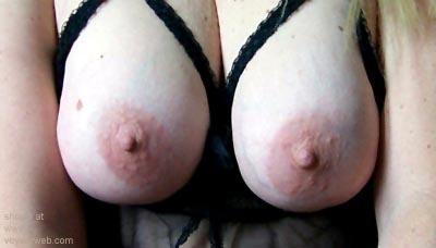 Pic #2 - Saggy      Boobs