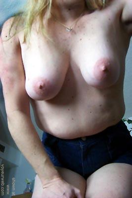 Pic #7 - Saggy      Boobs