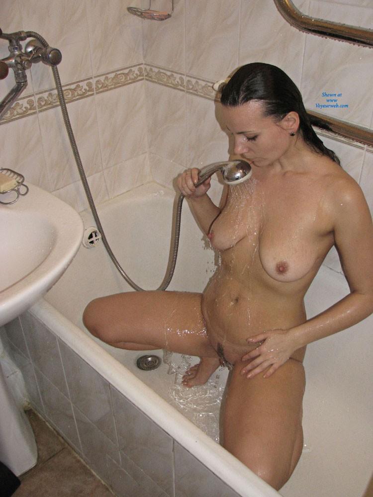 Pic #1 - Bathroom - Brunette Hair