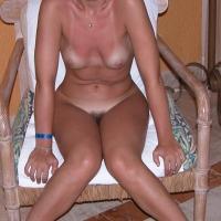 Medium tits of my room mate - Idil