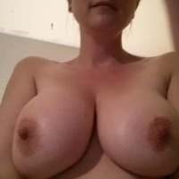 Very large tits of my wife - Roxy