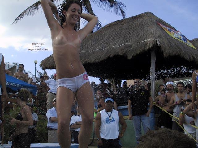 Pic #1 - Cancun 2003 Spring Break : Bikini Contest I