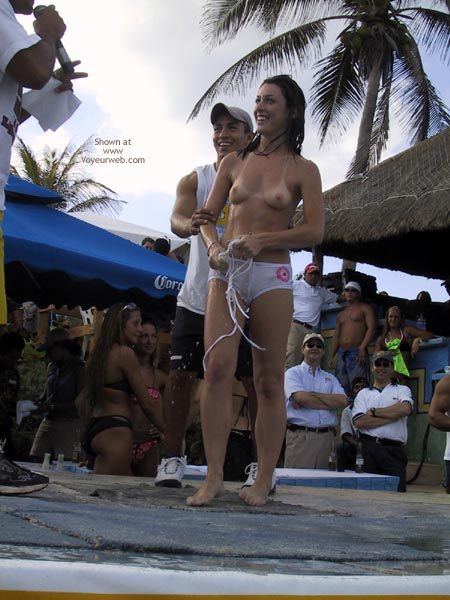 Pic #4 - Cancun 2003 Spring Break : Bikini Contest I