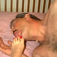Sharing Wifes Toes