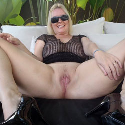 Blonde's Pink Pussy Lips - Big Tits, Blonde Hair, Hanging Tits, Heels, Huge Tits, Large Breasts, No Panties, Pussy Lips, See Through, Shaved Pussy, Spread Legs, Hairless Pussy, Sexy Boobs, Sexy Face, Sexy Legs, Sexy Woman, Face Sitting