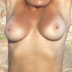 Large tits of my wife - Pamy