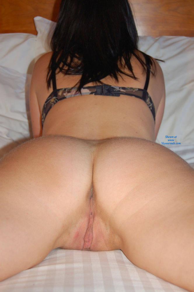 Pic #4 Posing - Big Tits, Brunette