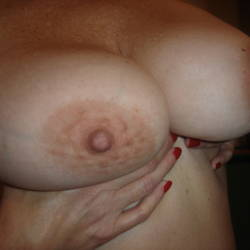 Large tits of a neighbor - Test 2
