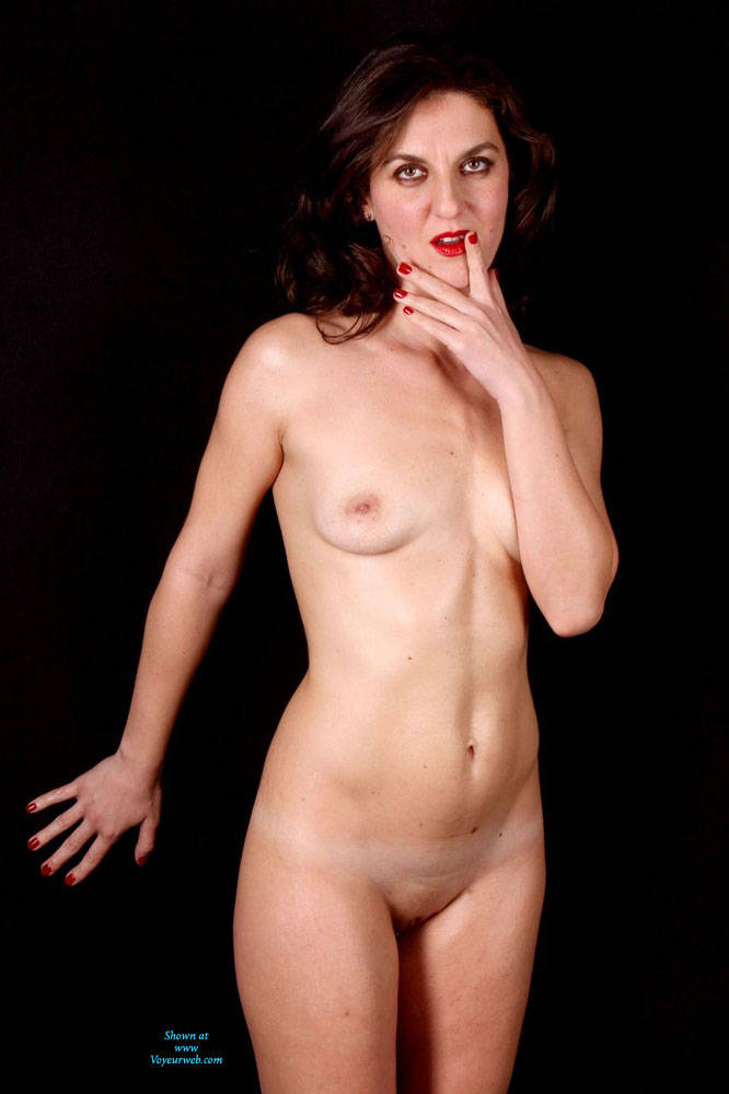 Pic #1 - Shooting - Brunette Hair, Natural Tits, Shaved, Small Tits , Brunette, Natural Tits, High Heels, Shaved Pussy.