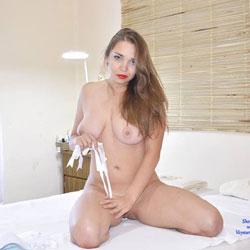 Red Lips And Naked On Bed - Bed, Big Tits, Full Nude, Hanging Tits, Huge Tits, Indoors, Naked In Bed, Shaved Pussy, Showing Tits, Hairless Pussy, Hot Girl, Sexy Body, Sexy Boobs, Sexy Figure, Sexy Legs, Sexy Woman, Latina