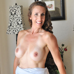 Stripping Mature Showing Yummy Body - Big Tits, Brunette Hair, Firm Tits, Long Hair, Nipples, Pussy Lips, Shaved Pussy, Showing Tits, Spread Legs, Strip, Hairless Pussy, Nude Amateur, Sexy Body, Sexy Boobs, Sexy Figure, Sexy Legs, Amateur