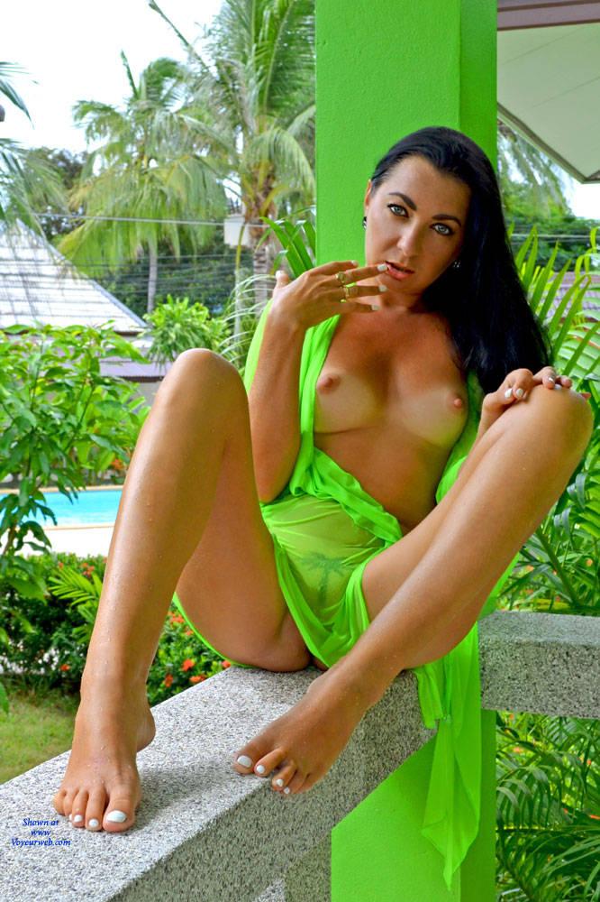 Pic #1 Coconut Paradise - Big Tits, Brunette