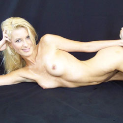 Blonde's Seducing Pose - Blonde Hair, Full Nude, Hard Nipple, Lying Down, Nipples, Small Tits, Naked Girl, Sexy Ass, Sexy Body, Sexy Face, Sexy Figure, Sexy Girl, Sexy Legs