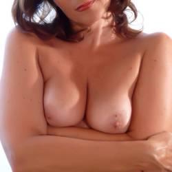 Medium tits of my girlfriend - Dema