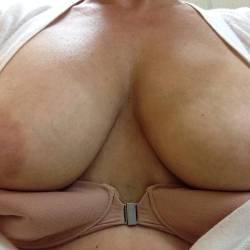 Medium tits of my wife - Wife's Big Tits