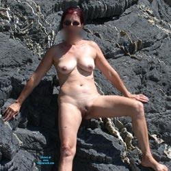 Escalade Naturiste - Big Tits, Shaved